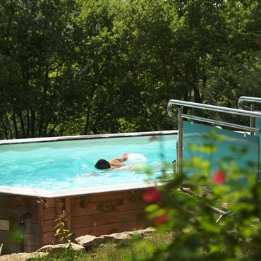 Piscine commune - Location nature isolé, en Occitanie